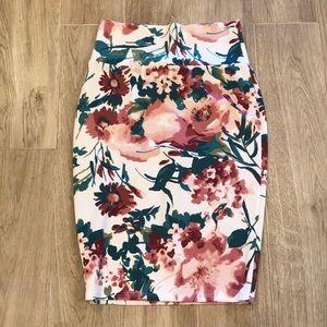 Dresses & Skirts - Beautiful high waisted flower print midi skirt